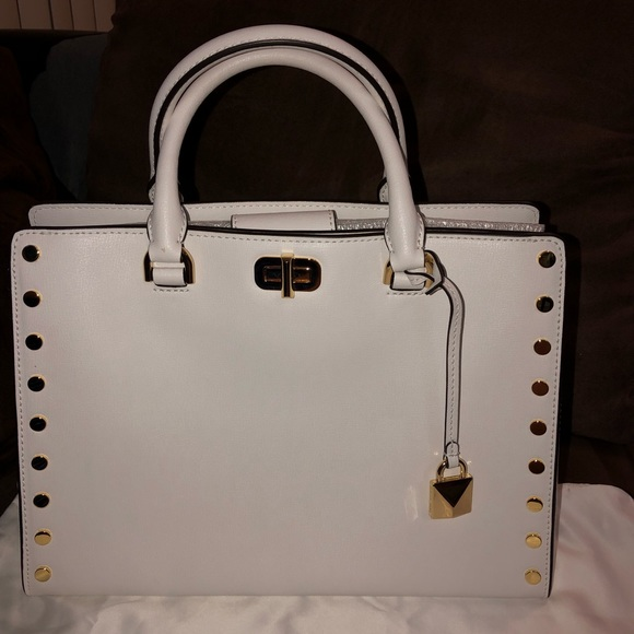 Michael Kors Handbags - MICHAEL KORS. Leather Logo Medium Bag.